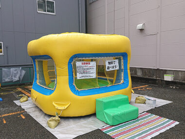 神奈川県大和市のお祭り会場にレンタルしたふわふわ